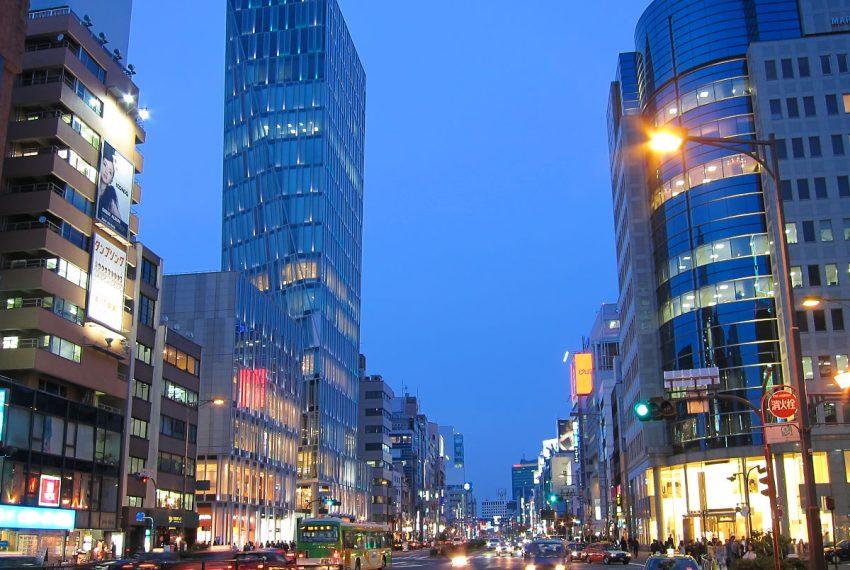 Route246-Minami-Aoyama-5chome-Evening